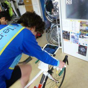 これは楽しい(いや苦しい!)ローラー台 CycleOps Magnus デモ機有ります。